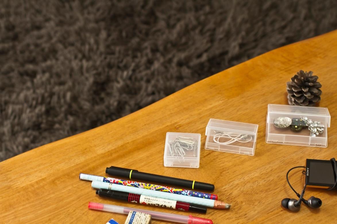 透明な引き出し収納や書類・文房具の収納グッズをチェック!